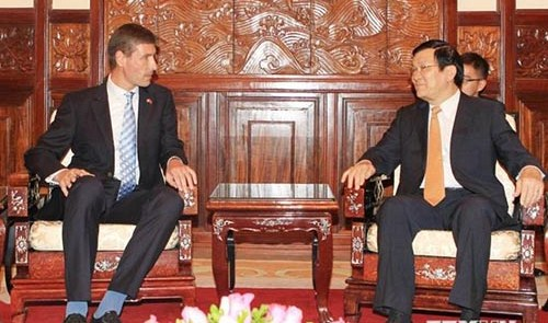 New UK ambassador says will encourage British firms to invest in Vietnam
